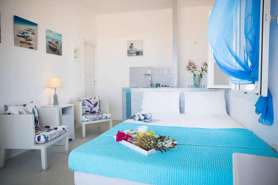 The suites Nissos at the beautiful village of Apollonia