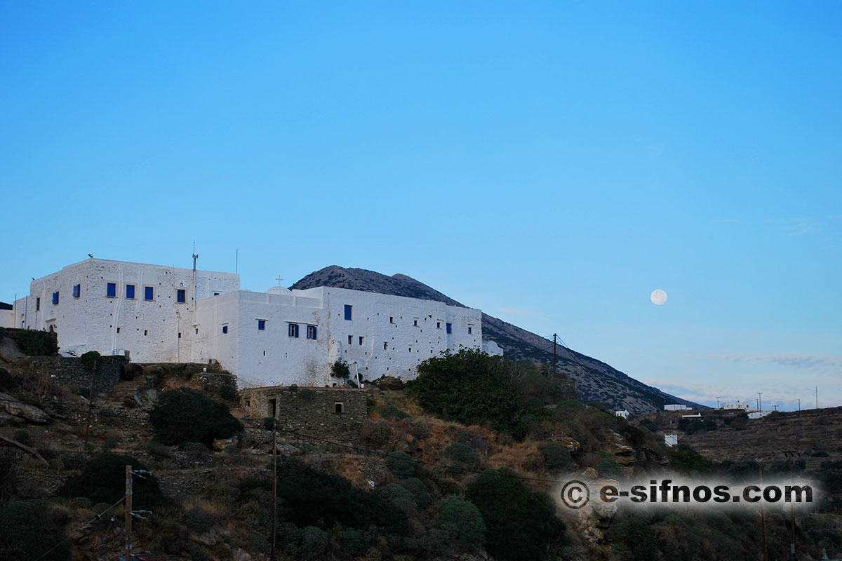 The monastery of Vryssiani, that houses the Ecclesiastic art Museum of Sifnos