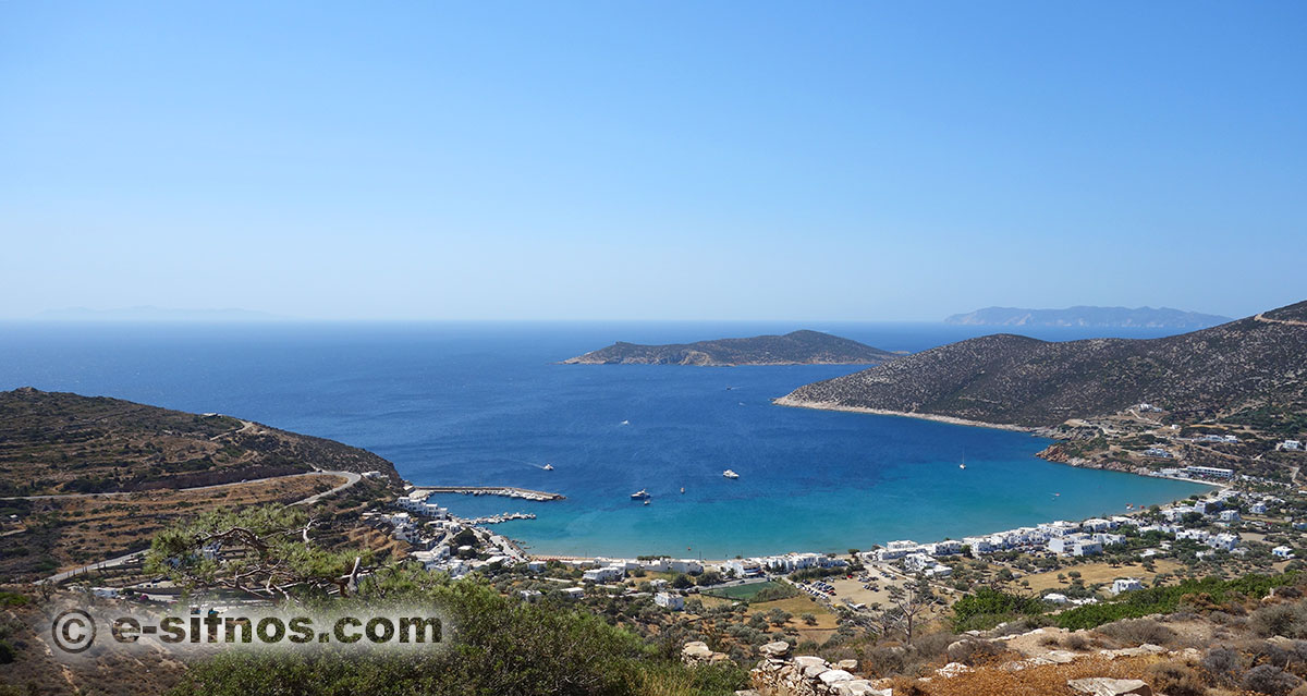 Platis Gialos beach in Sifnos