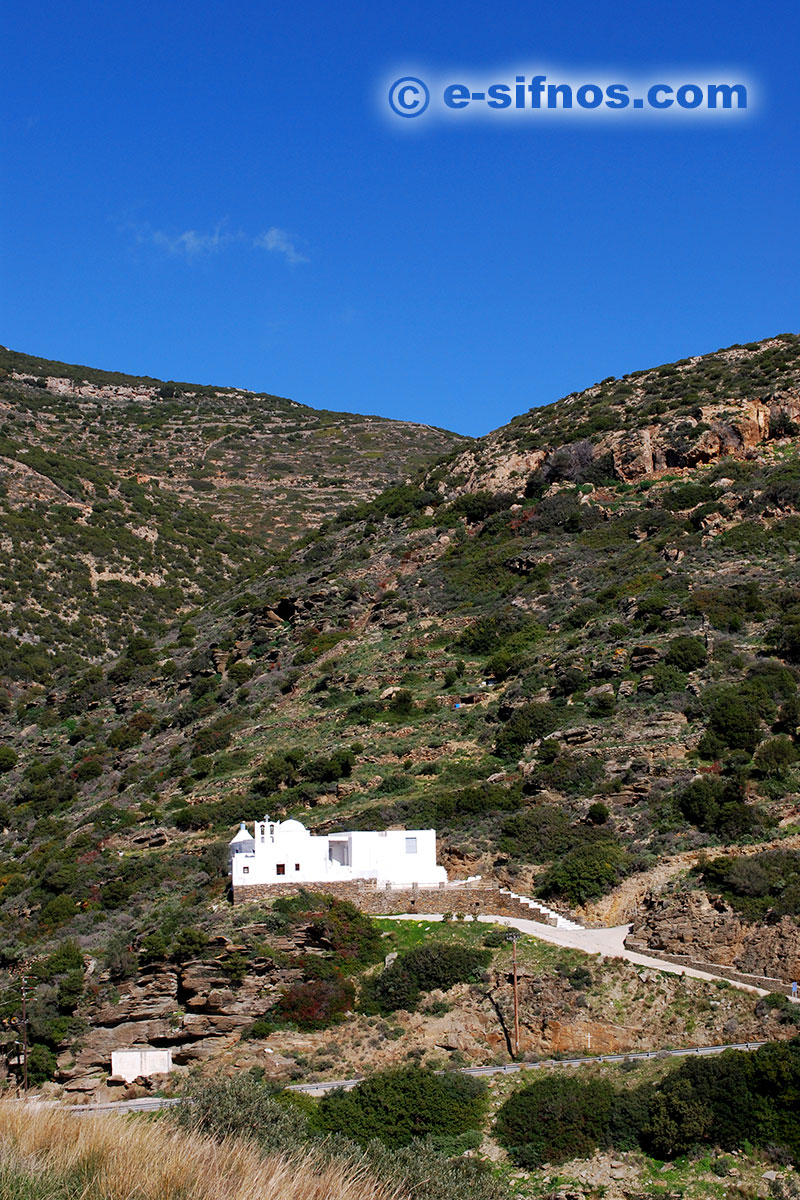 The church of Taxiarhis in Mersini, on the road to Vathi