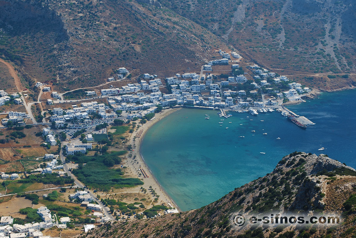 The port of Kamares in Sifnos