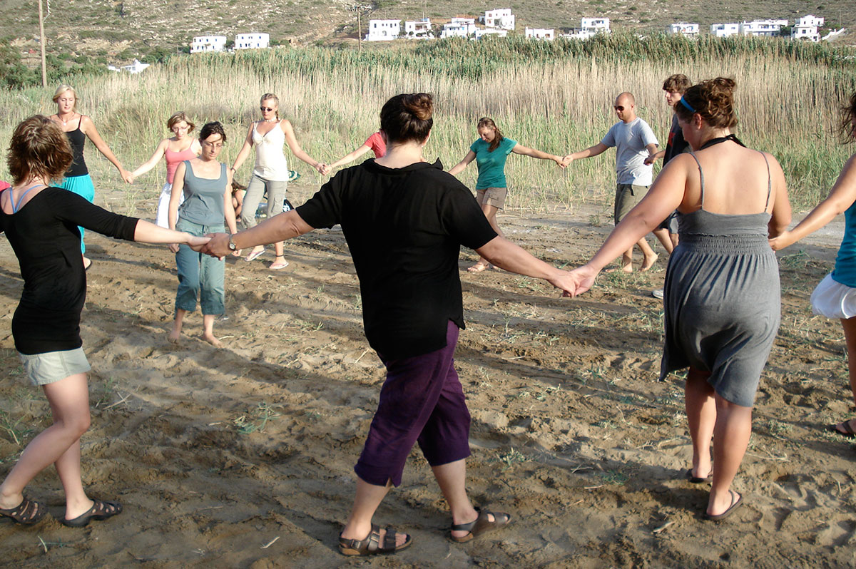 Greek traditional dances lessons in Sifnos